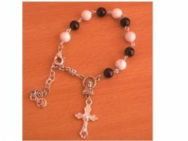 Mooie rozenkrans armband met 8 mm glas en wit/grijze turkoois kralen