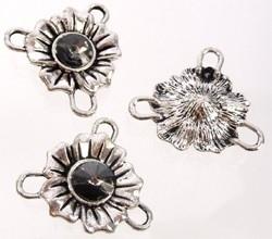 090674 Metalen tussenzetsel bloem en strass met 3 oogjes 26 mm