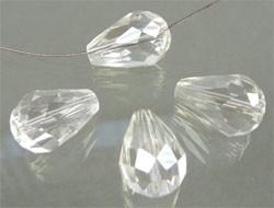 110124 Glas kristal druppel facet geslepen met mooie glans 15x10mm