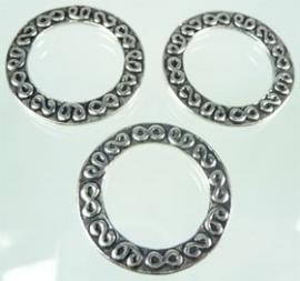 090748 Metaal ring bewerkt 30mm (Oudzilverkleur)