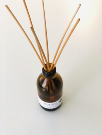 Biologische Geurolie Stokjes - Reed Diffuser - SACRED SPACE