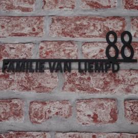 Naambord Familie Achternaam met huisnummer Zwart