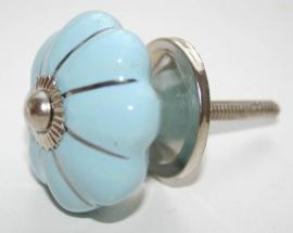 Knop geschulpt l.blauw met streep