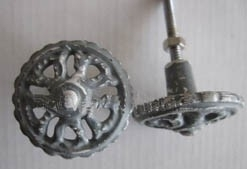 Knop metaal wheel antiek grijs