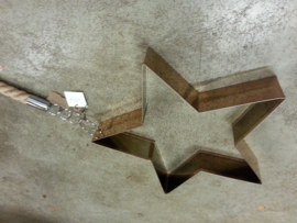 Metalen Ster met sisalband.