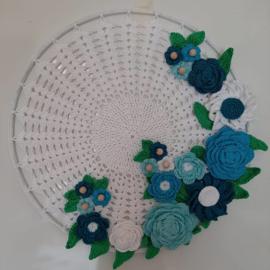 bloemen krans blauw