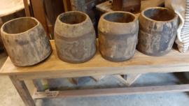 nepalese houten pot..M