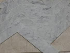 Vloertegel & wandtegel marmer  Bianco Carrara Italy Venato wit grijs 305x73x10 mm Mat gezoet VISGRAAT Prijs per m2