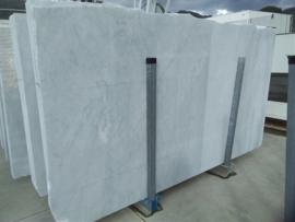 Maatwerk Carrara C  in 2 cm dik  290x160 cm mat gezoet