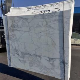 Vloertegel marmer Carrara Arabescato Vagli 610x610x10 mm mat gezoet met strakke kanten Prijs per m2