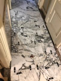 PARTIJ Vloertegel marmer Carrara Arabescato Corchia Venato 600x300x20 mm mat gezoet Prijs per m2