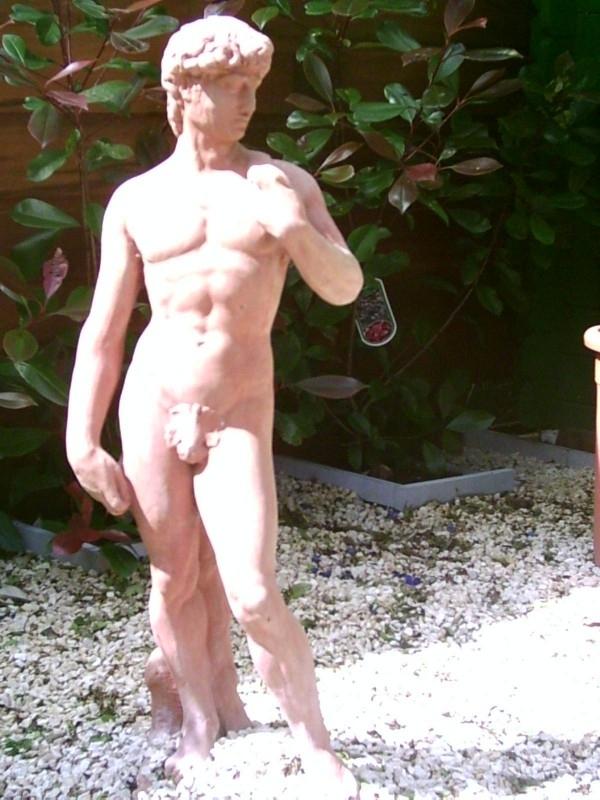 Beeld: David hoog 84 cm
