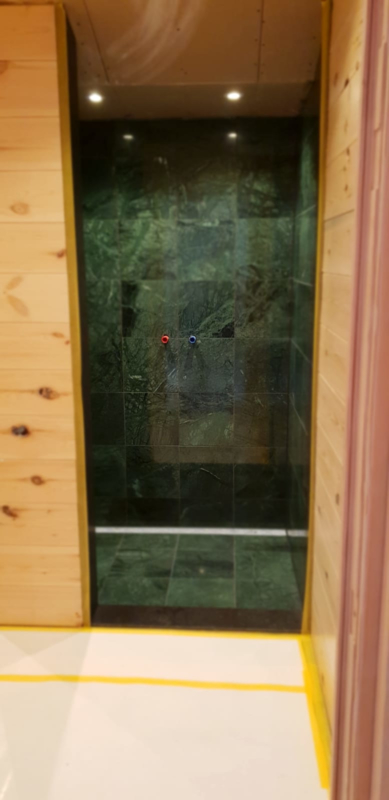 Wandtegel en Vloertegel marmer Verde Mare groen 305x305x10 mm glanzend Prijs per m2