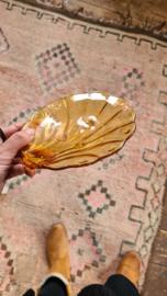 Amberkleurig schelpen schaaltje