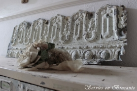 Wit zinken ornament SOLD