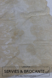 2 times french lace L6