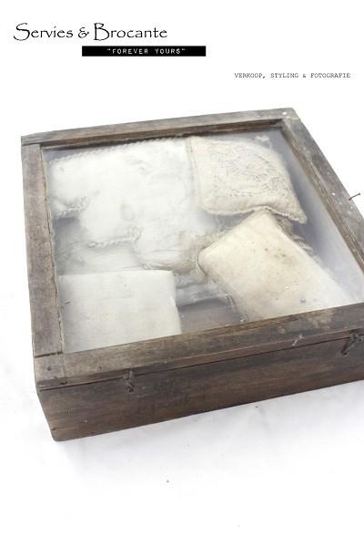 Oud kistje/ Old box SOLD