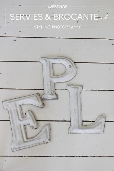 Lichte letter P