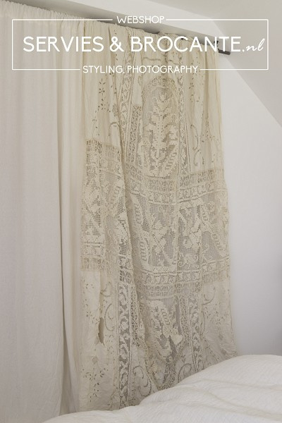 French Curtain
