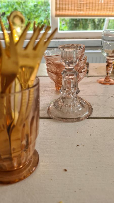 Klein glazen kandelaartje