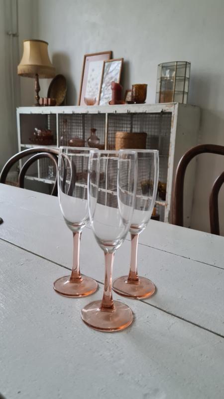 3 champagne glazen