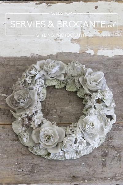 Bisbuit wreath