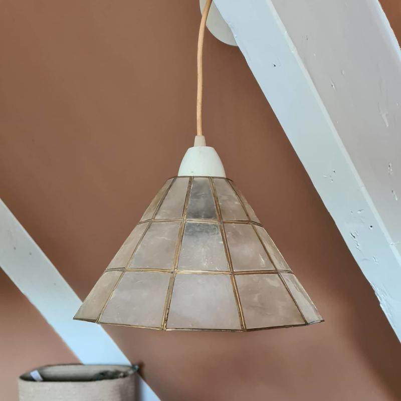 Capiz lamp