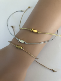 Armband met geluksvisje zilver
