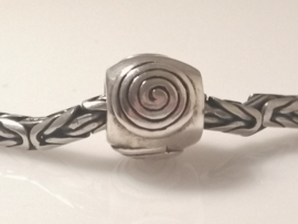 Zilveren bedel spiral