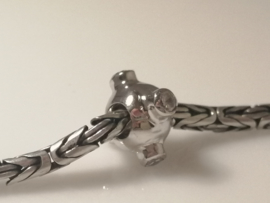 Zilveren bedel met zirkonia's