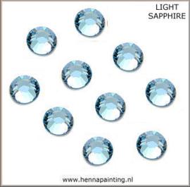10 x Zee Blauw (Light Sapphire) - SS16