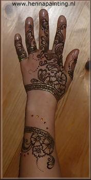 Henna Hand met ©Swarovski steentjes golden brown