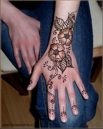 Henna met schaduw
