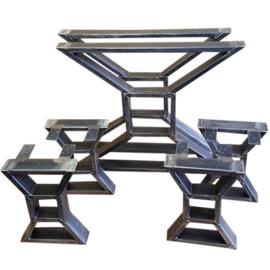 Stalen tafel onderstel model Strik