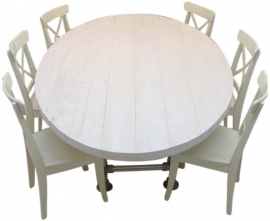 Ovale tafel met steigerbuis onderstel en steigerhouten blad white wash