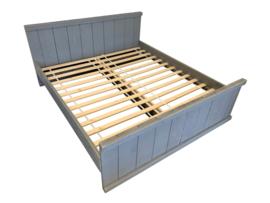 Tweepersoonsbed van steigerhout beton grijs  (clbh)