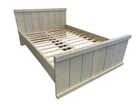 Tweepersoonsbed van steigerhout zand 140x200 (voorraad magazijn artikel)