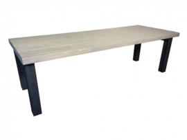 Industriële tafel stalen onderstel met een greywash blad afm: L240xB80xH79,5cm (voorraad magazijn artikel)