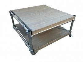 Salontafel op wielen steigerbuis van nieuw steigerhout behandeld met greywash