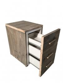 Ladeblok voor onder bureau van oud steigerhout met wielen en houten handgrepen