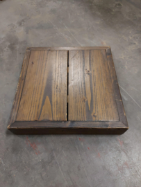 Barkruk van steigerhout whitewash en steigerbuis (voorraad magazijn artikel)
