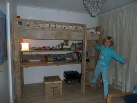 Vanessa de Vries - hoogslaper van oud steigerhout