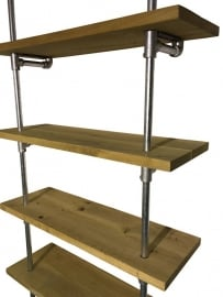 Wandmeubel met 4 planken van eikenhout met steigerbuis