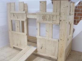 Kasteelbed van nieuw Steigerhout gemaakt (HHK)