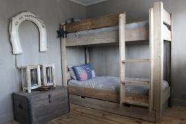 Stapelbed gemaakt van oud of nieuw steigerhout (HHST)