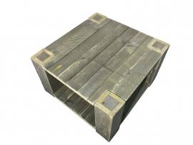 Salontafel van oud gebruikt steigerhout met extra schap (80x80)