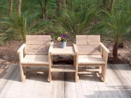 Tweezitter met tafeltje van steigerhout