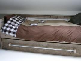 Bedbank / bedstede gemaakt van oud of nieuw steigerhout (BB)