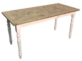 Tafel gemaakt met een blad van mozaiek oud steigerhout afm: L110xB70xH76cm (voorraad magazijn artikel)