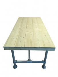 Tafel steigerbuis met een nieuw steigerhouten blad